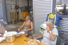 Pannenkoeken-eten-Fieke-Lenie-Jolande